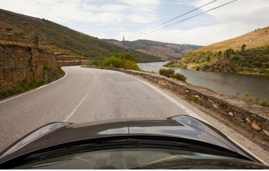 A N222 é a Melhor Estrada do Mundo, e o troço entre Régua e Pinhão é inesquecível