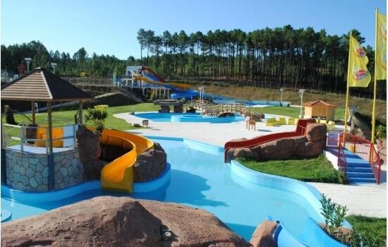 Repleto de diversões aquáticas, este parque será o deleite dos mais novos!