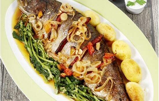 Mas, se preferir o peixe, a Truta é sempre fresca e pescada nas margens do Douro