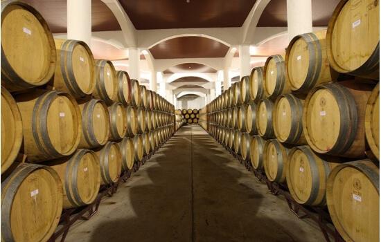 Aproveite a sua passagem pela Quinta para uma visita com degustação de Vinho do Porto!