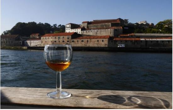 Embarque numa aventura e descubra os melhores locais da região do famoso Vinho do Porto