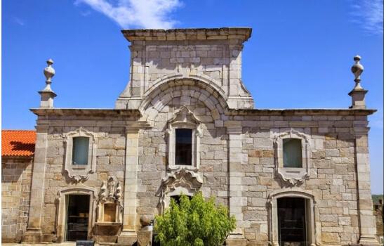 O museu do pão e do vinho é um dos locais mais importantes de Favaios