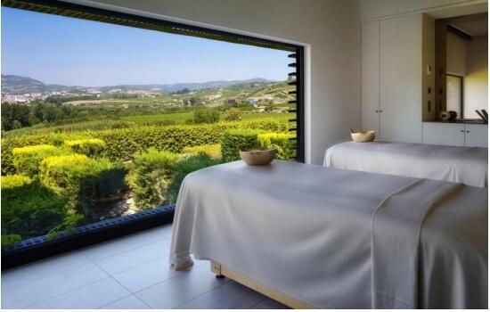 Já imaginou, receber uma relaxante massagem, enquanto aprecia as privilegiadas vistas do Vale do Douro?
