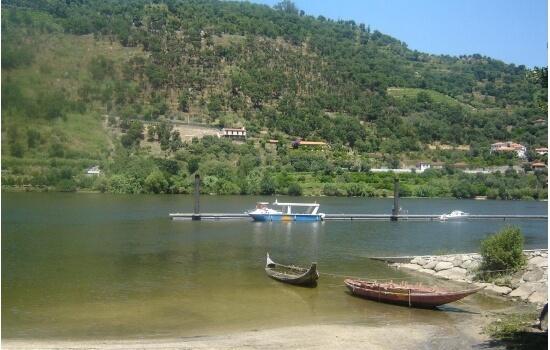 A Praia Fluvial de Porto Rei é um pequeno paraíso no Douro