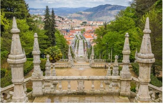 Lamego é uma pequena e encantadora vila no Vale do Douro