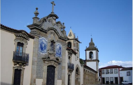 A sua igreja matriz é uma das principais atrações deste concelho