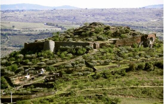 O Castelo Melhor é um dos mais antigos do país e esconde uma beleza incrível