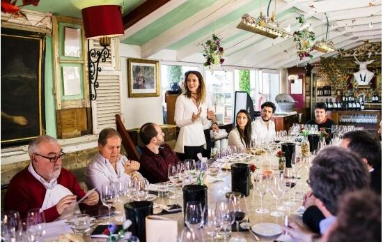Aproveitem para integrar uma das experiências vinicas que as Quintas do Douro oferecem!