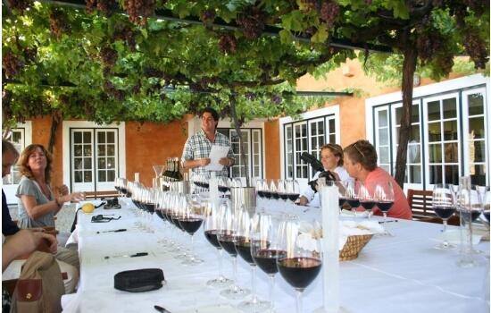 Uma experiência vínica na Quinta do Vallado irá proporcionar os melhores momentos (e os mais saborosos também!)