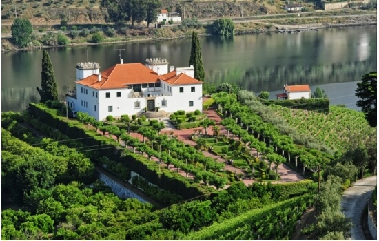 A Quinta dos Frades é uma das maiores quintas do Douro