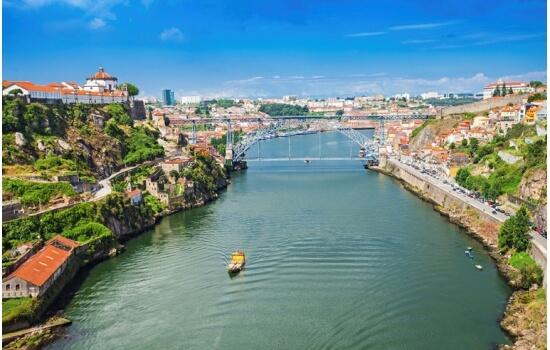 O Cruzeiro das Pontes é um dos cruzeiros mais pretendidos no Douro