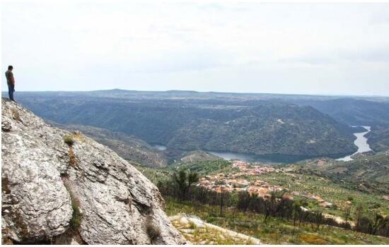 Os Miradouros do Douro são uma fantástica opção para passear pelo Douro
