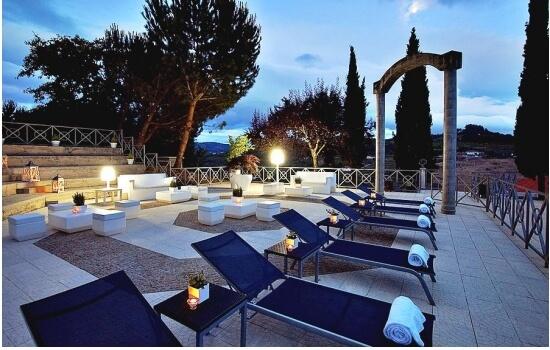 E relaxar num dos hotéis de charme do Douro será o fim de um dia perfeito