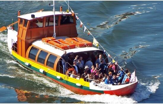 E um pequeno cruzeiro em barco rabelo permite descobrir paisagens nunca antes vistas