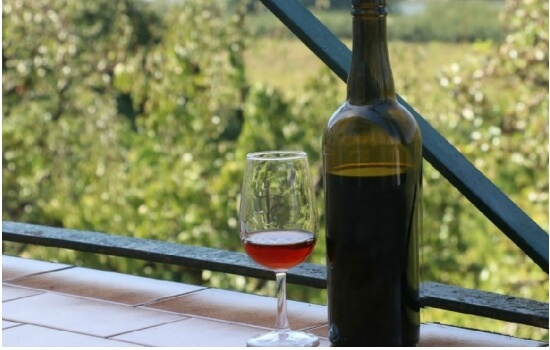 O Vinho do Porto Ruby tem uma tonalidade avermelhada