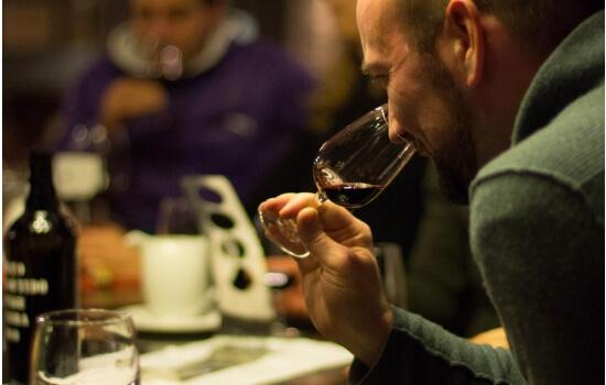 E se visitar o Douro, não se esqueça de fazer uma das muitas provas de vinhos!