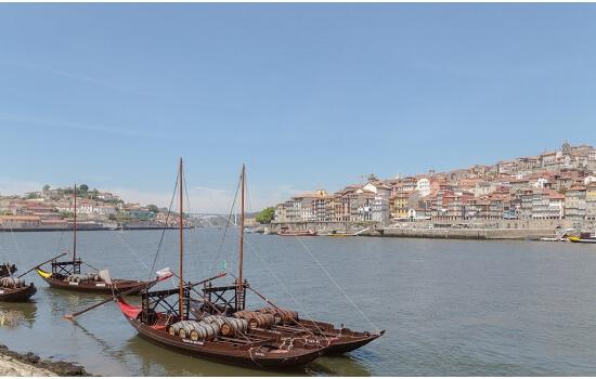 Considerados uma obra prima, estas magníficas embarcações encontram-se a embelezar as margens do rio douro