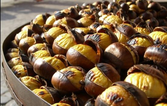 Castanhas assadas - a iguaria típica das festas de São Martinho