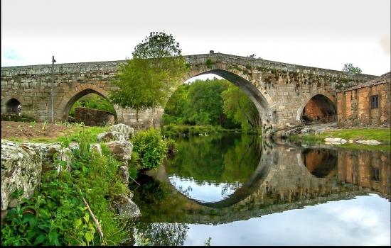 A Ponte de Ucanha é considerada uma das mais bonitas pontes medievais do país
