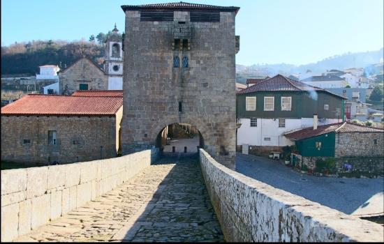 A Torre e Ponte de Ucanha são os monumentos mais emblemáticos desta pequena aldeia