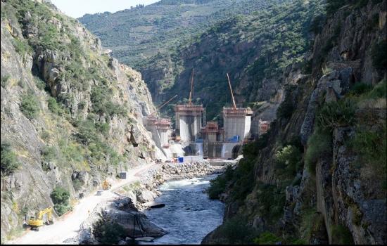 A Barragem do Tua visa o aproveitamento hidroelétrico do Rio Tua