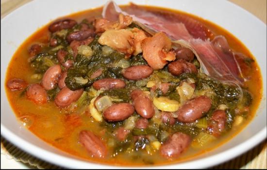 E porque uma refeição duriense é repleta de sabores quentes, não pode faltar uma tradicional sopa de feijão vermelho