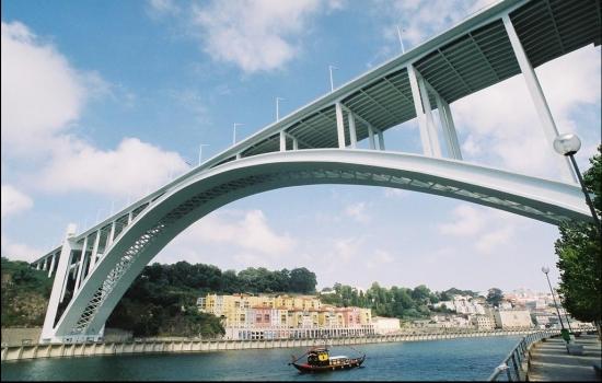 Terminando com a última ponte antes do mar - a Ponte da Arrábida