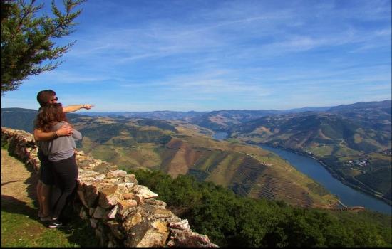 As suas paisagens são belíssimas, mas há muito mais a explorar