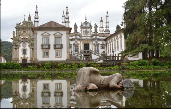 A sua opulência e maravilhosos jardins transformam-no num dos monumentos mais imponentes do Norte do país