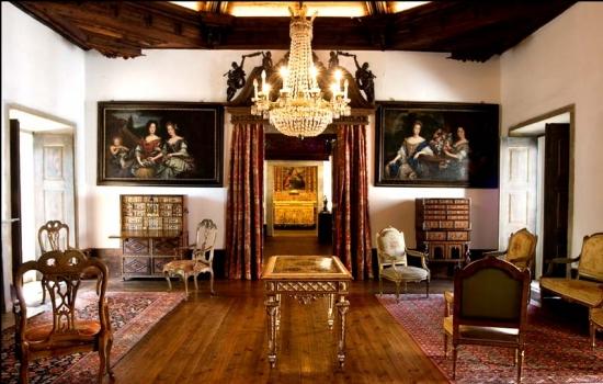 As suas salas são ricas em beleza e história - simplesmente imperdível