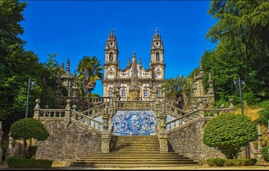O Santuário da Nossa Senhora dos Remédios é o monumento mais conhecido de Lamego