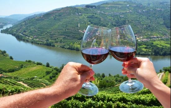 Saborear um Vinho do Porto é sempre um momento prazeroso