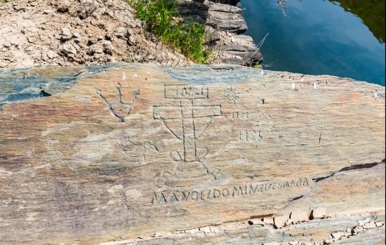 Gravuras e representações tanto do Paleolítico, como de eras pós-Paleolítico