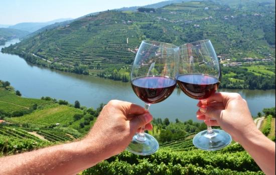 Os Vinhos do Porto são excelentes para partilhar com amigos e familiares