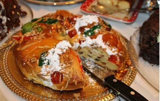 O bolo rei é obrigatório em qualquer mesa de Natal portuguesa.