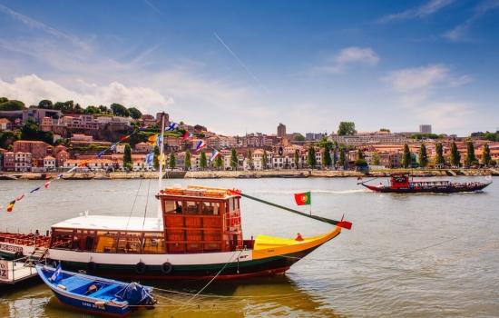 Aprecie as margens do Porto e Gaia e a vista maravilhosa a partir de um cruzeiro.