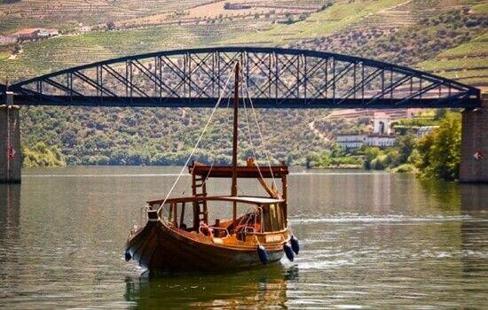 No Inverno, uma boa opção para um passeio de barco é o cruzeiro entre Pinhão e Tua