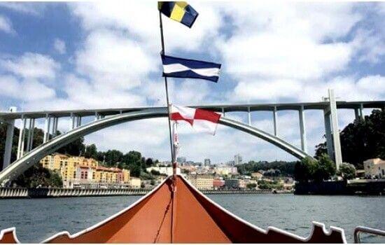 Também o Cruzeiro das Pontes continua a realizar-se e é uma agradável experiência