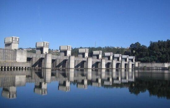 Esta Barragem tem um desnível de 14m
