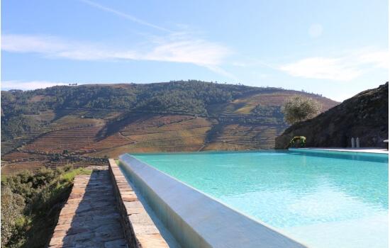 A piscina da Quinta do Crasto permite uma vista única sobre o Vale do Douro