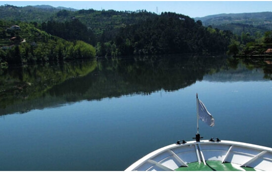 A bordo de um cruzeiro, poderá viver momentos inesquecíveis, nesta tão idílica região